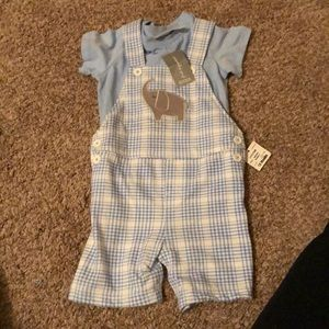 New with tags Knit Shortalls with Elephant! Two pc